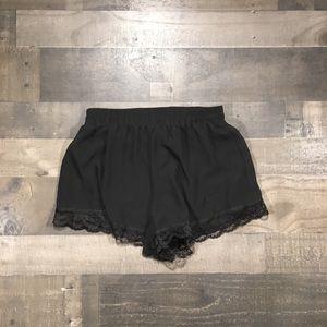{Lush} Lace Trim Shorts Sz S